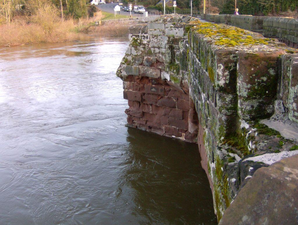 Farndon Bridge from Welsh bank